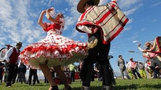 Cueca, danse traditionnelle