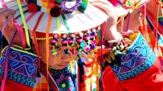 Participation de toutes les générations à la Fiesta de la Tirana