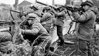 les troupes britanniques sur les falklands lors de la guerre des malouines