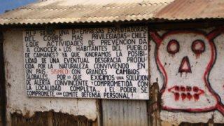 Mur accusant la Minera Los Pelambres