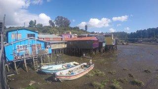 Baie et palafitos de Castro