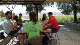 Dégustation dans le vignoble de Kingston avec la Bicicleta Verde